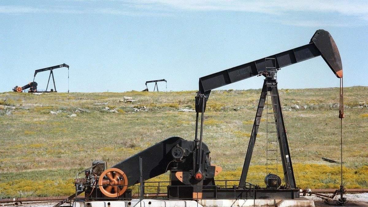 Китайские компании снизили объем переработки нефти