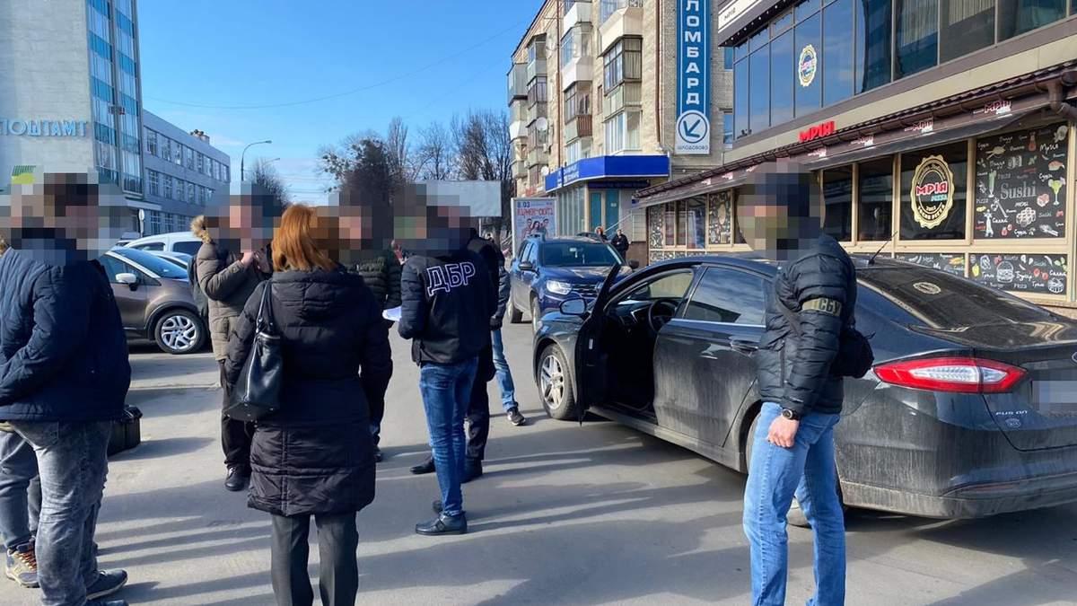 Спецоперация по задержанию налоговика на Хмельнитчине