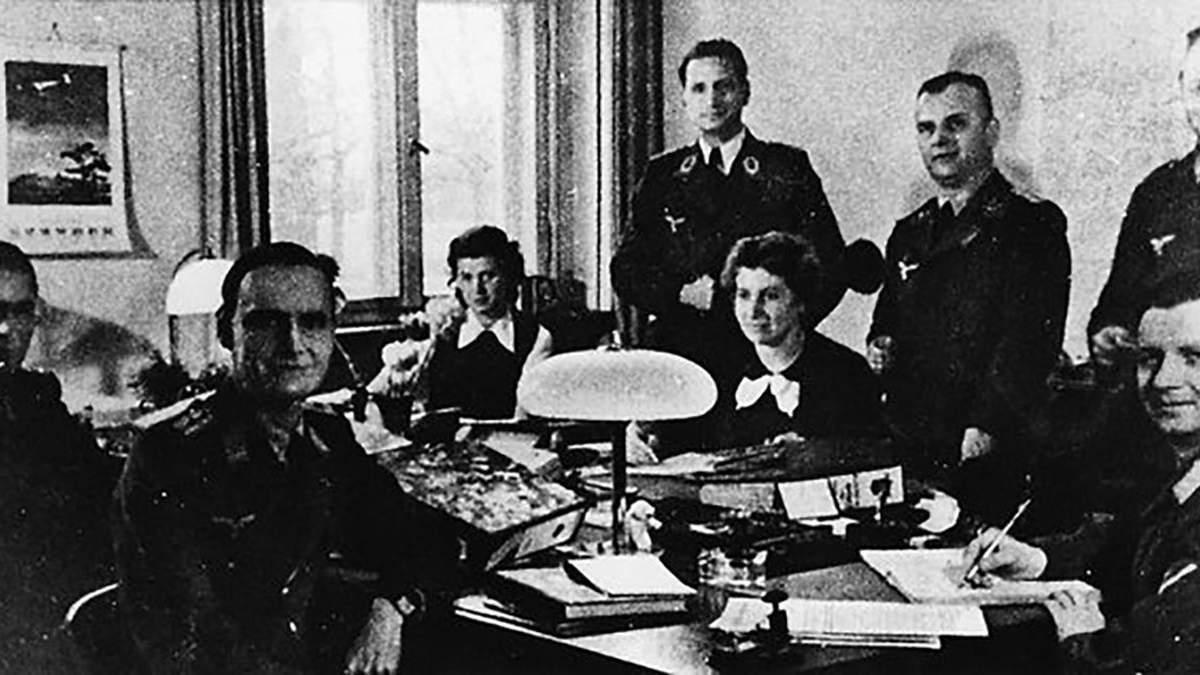 """Підпільна антифашистська організація """"Червона капела"""""""