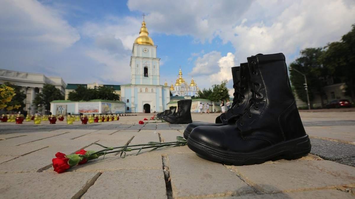 Захід повинен тиснути на Україну