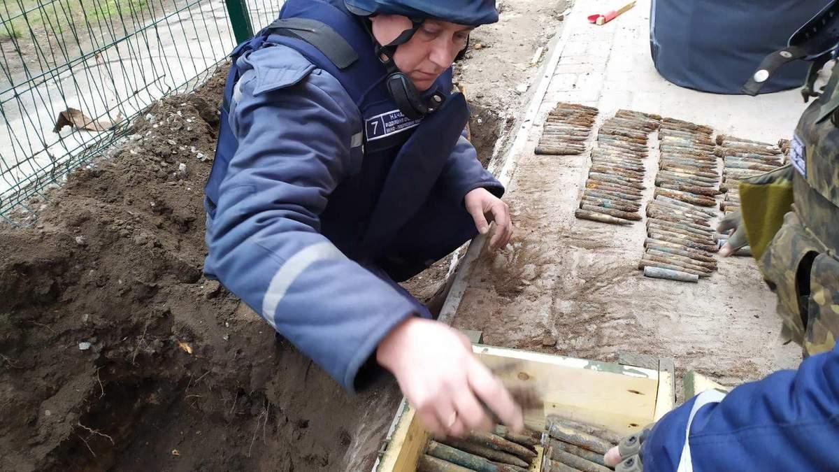 Схованку з боєприпасами знайшли біля школи на Запоріжжі