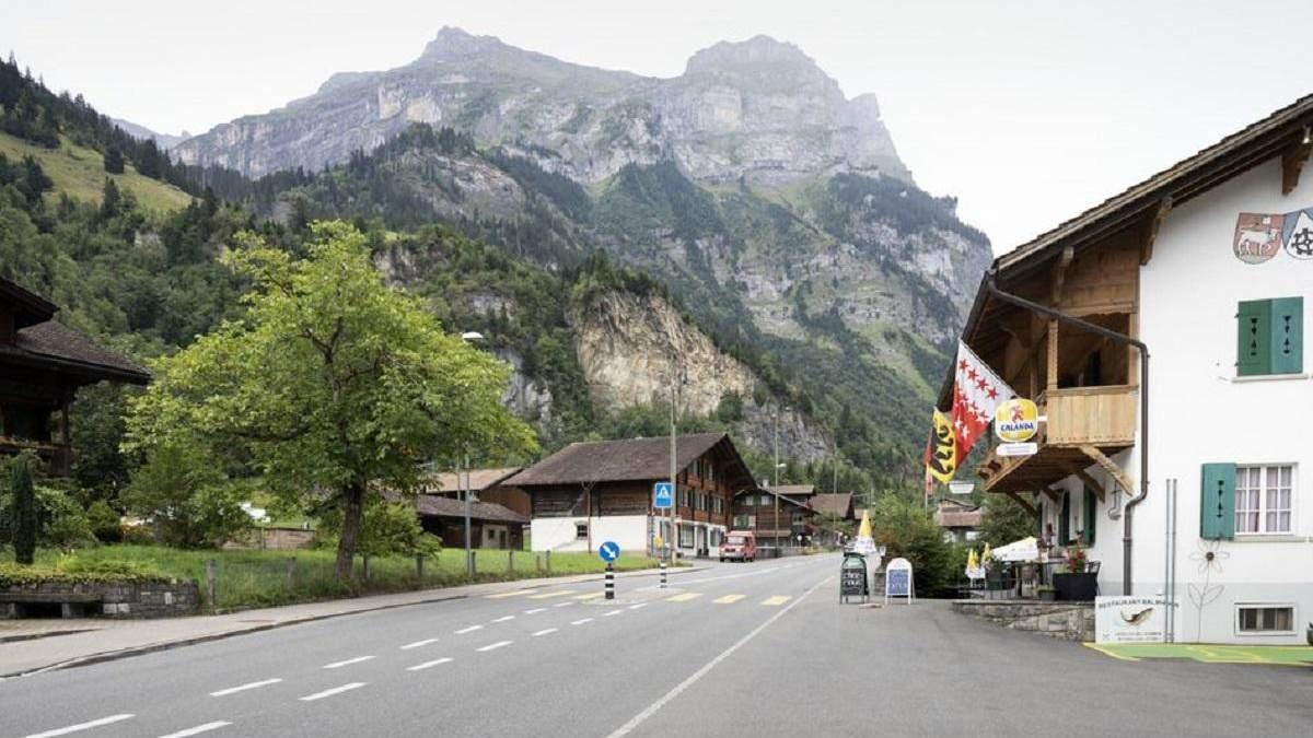 Швейцарскую деревню могут эвакуировать минимум на 10 лет: причина