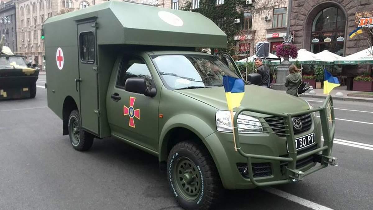 Волонтеры отремонтировали полсотни авто для военных на Донбассе: фото, видео