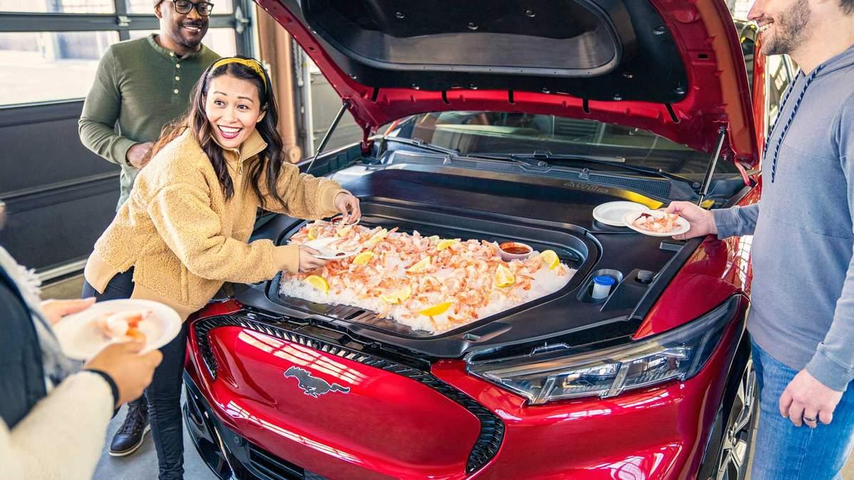 Ідеальне авто для вечірок: Ford створив електро-кросовер з багажником-холодильником