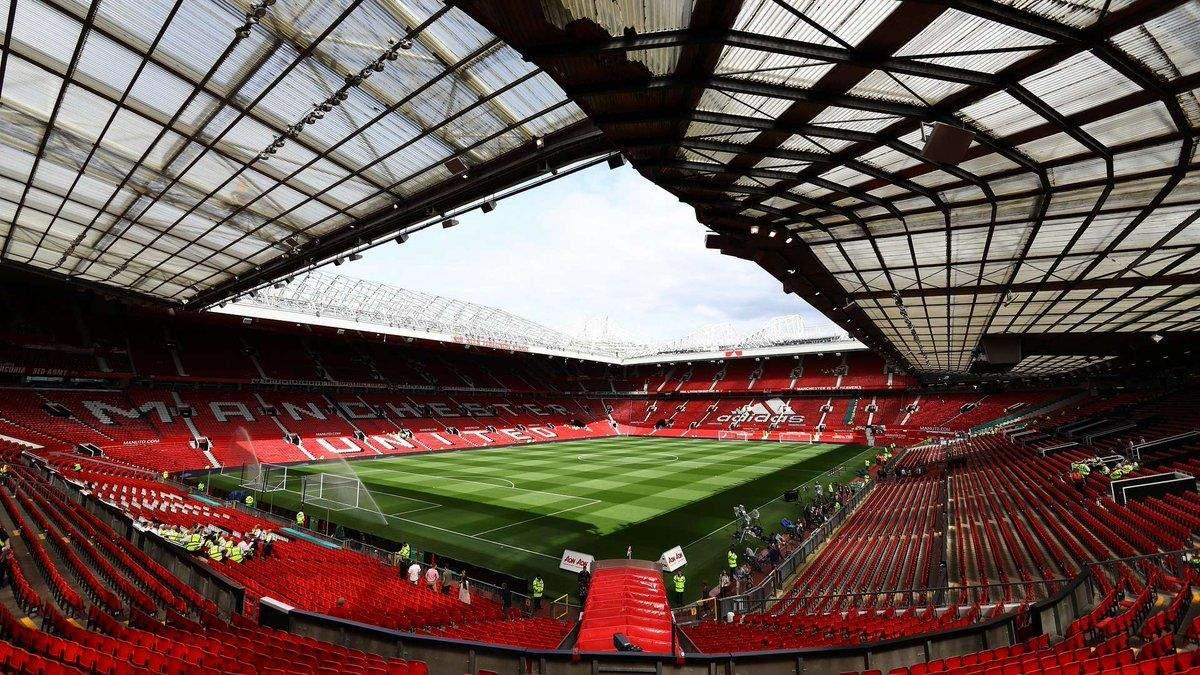Футбольні матчі в Англії можуть відбутись без глядачів