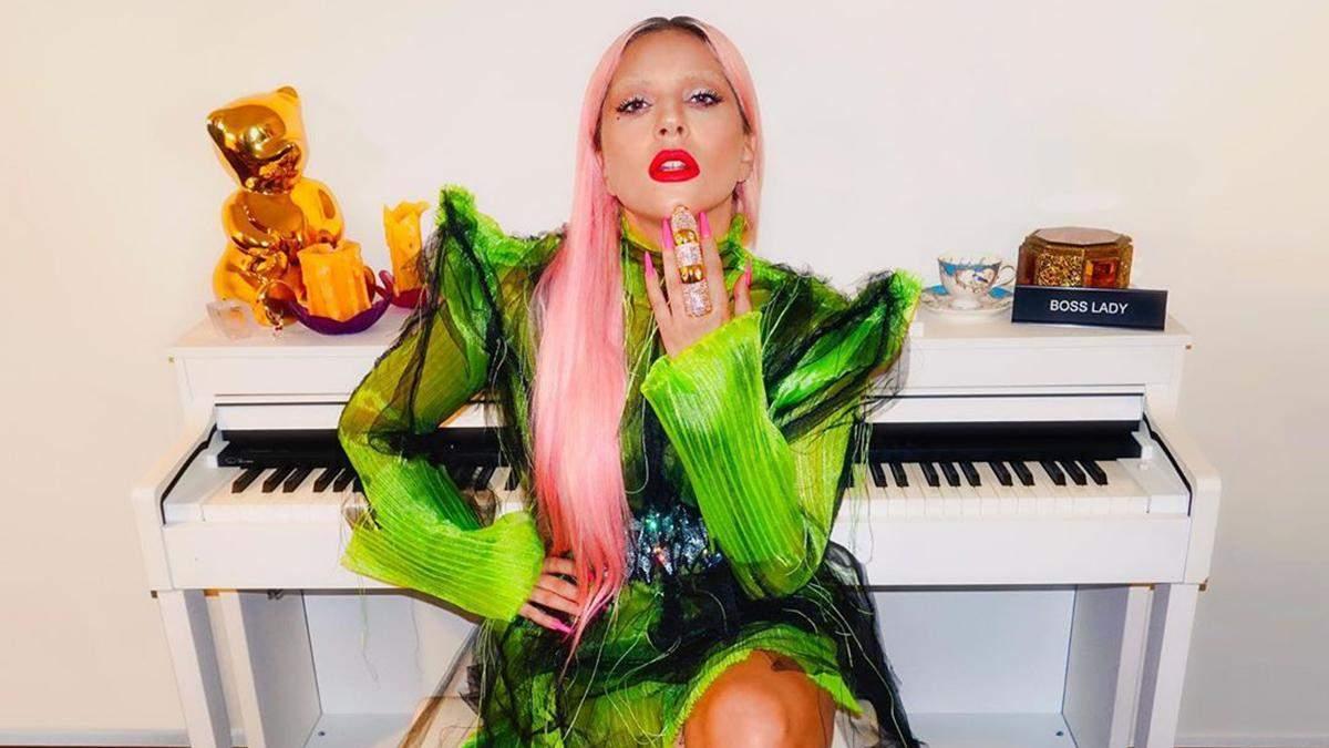 Леді Гага у спокусливому вбранні від української дизайнерки