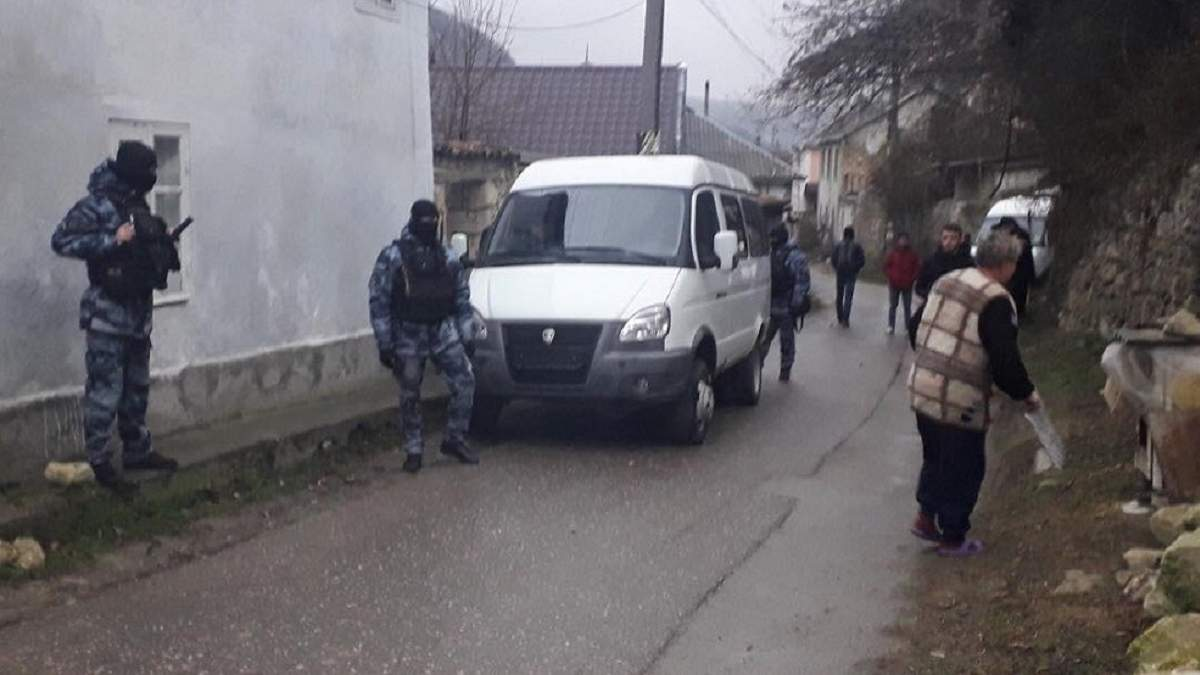 Окупанти проводять обшуки у кримських татар у Бахчисараї: реакція прокуратури Криму