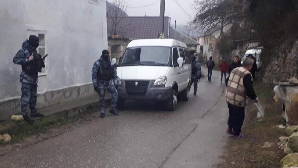 Оккупанты проводят обыски у крымских татар в Бахчисарае: реакция прокуратуры Крыма