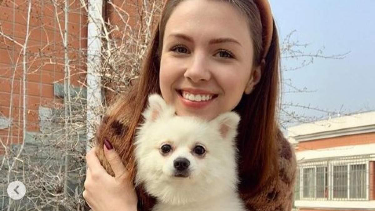 Евакуація українцки з собакою з Уханю