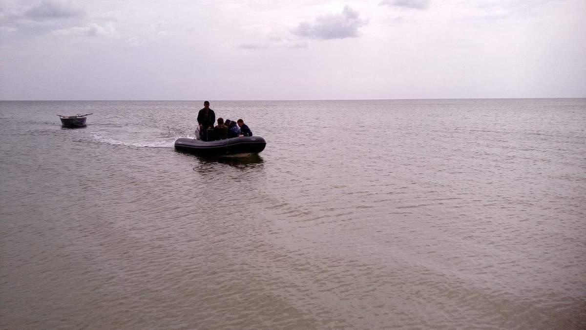 Троє рибалок зникли в морі