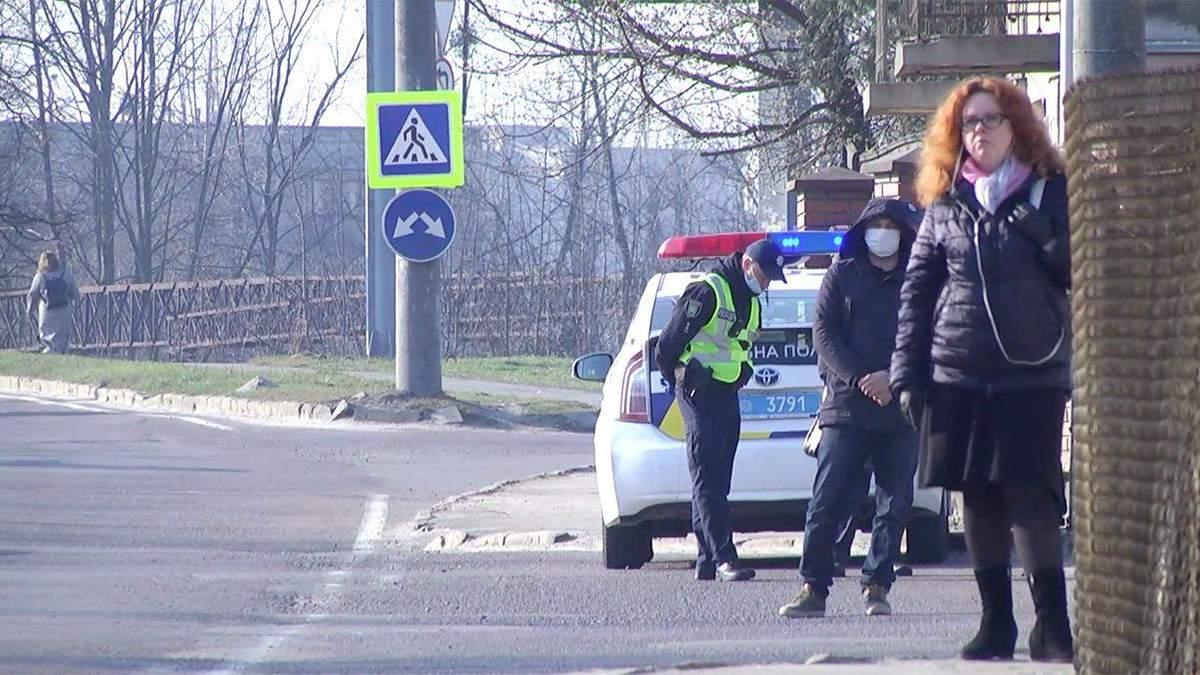 Транспортные перевозки во время карантина: как во Львове полиция проверяла маршрутки