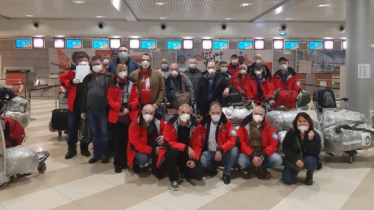 """Украинские полярники не смогли добраться до """"Академика Вернадского"""""""