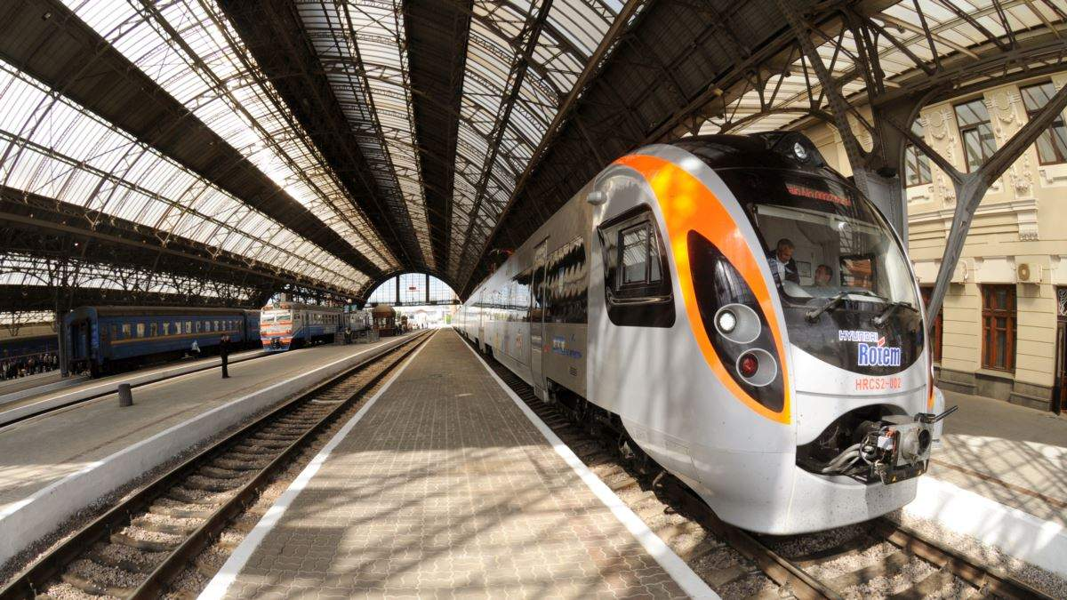 Эвакуация украинцев из-за коронавируса из Польши отправят еще 2 дополнительных поезда