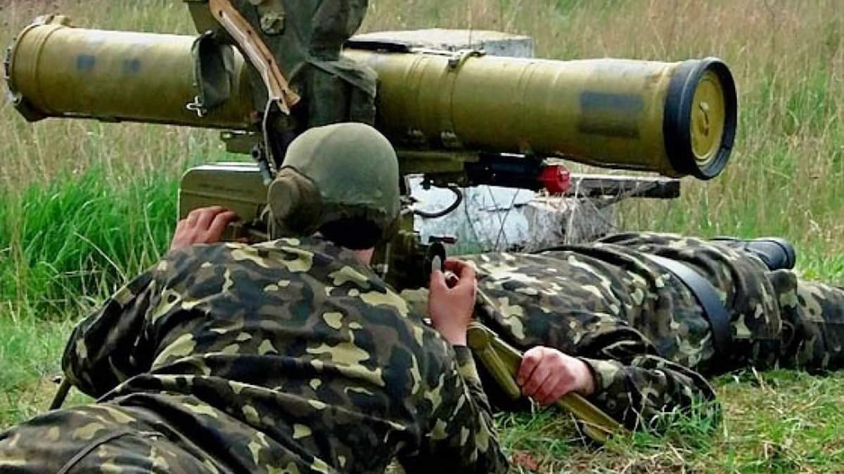 Боевики обстреляли из ПТРК грузовик украинских военных на Донбассе