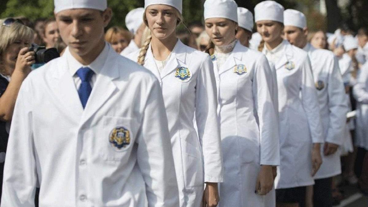 МОЗ хоче, щоб саме студенти-медики першими їхали на підозрілі виклики