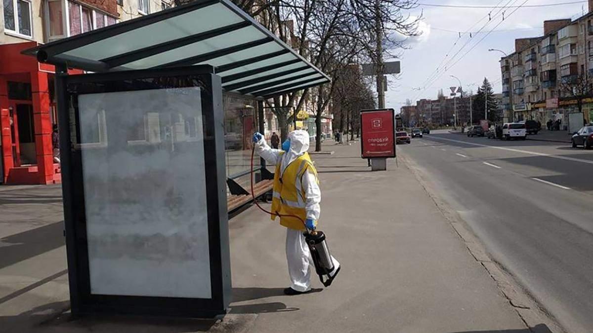 Коронавірус в Україні: в Чернігові призупиняють громадський транспорт і закривають ринки