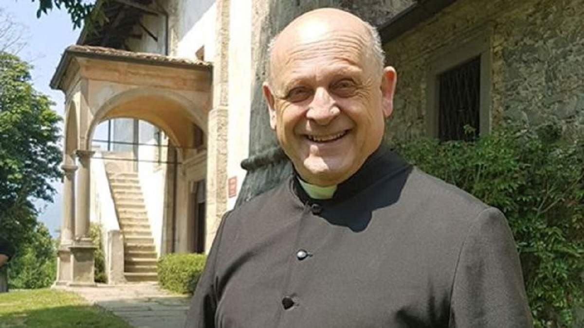 В Италии от коронавируса умер священник, отдавший свой респиратор младшему пациенту