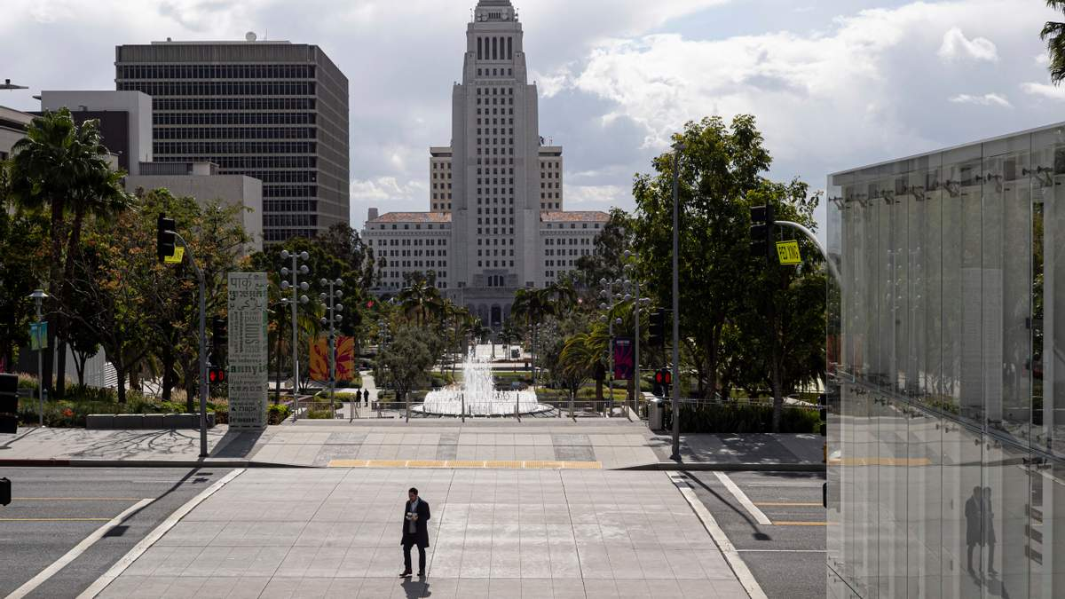 Величезні міста завмерли між карантином та економічною кризою
