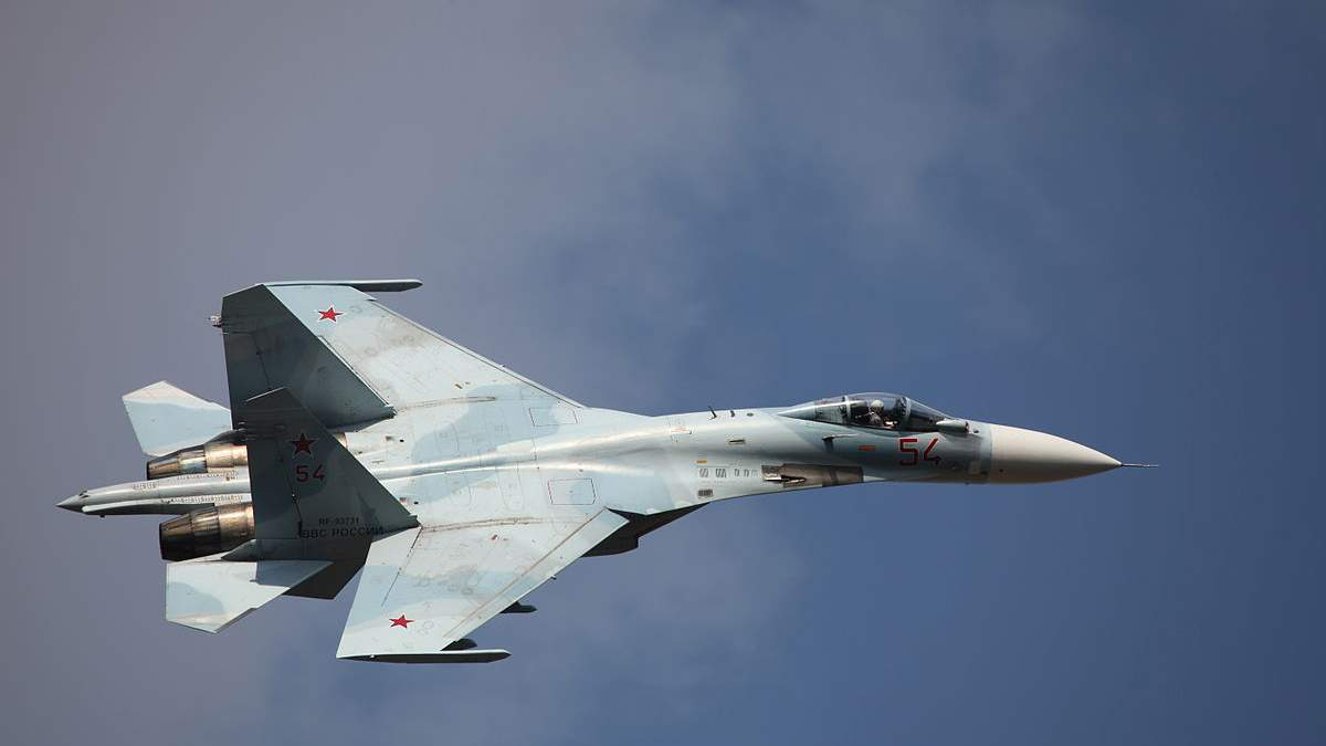 Истребитель Су-27 упал в Черное море, Крым - что известно
