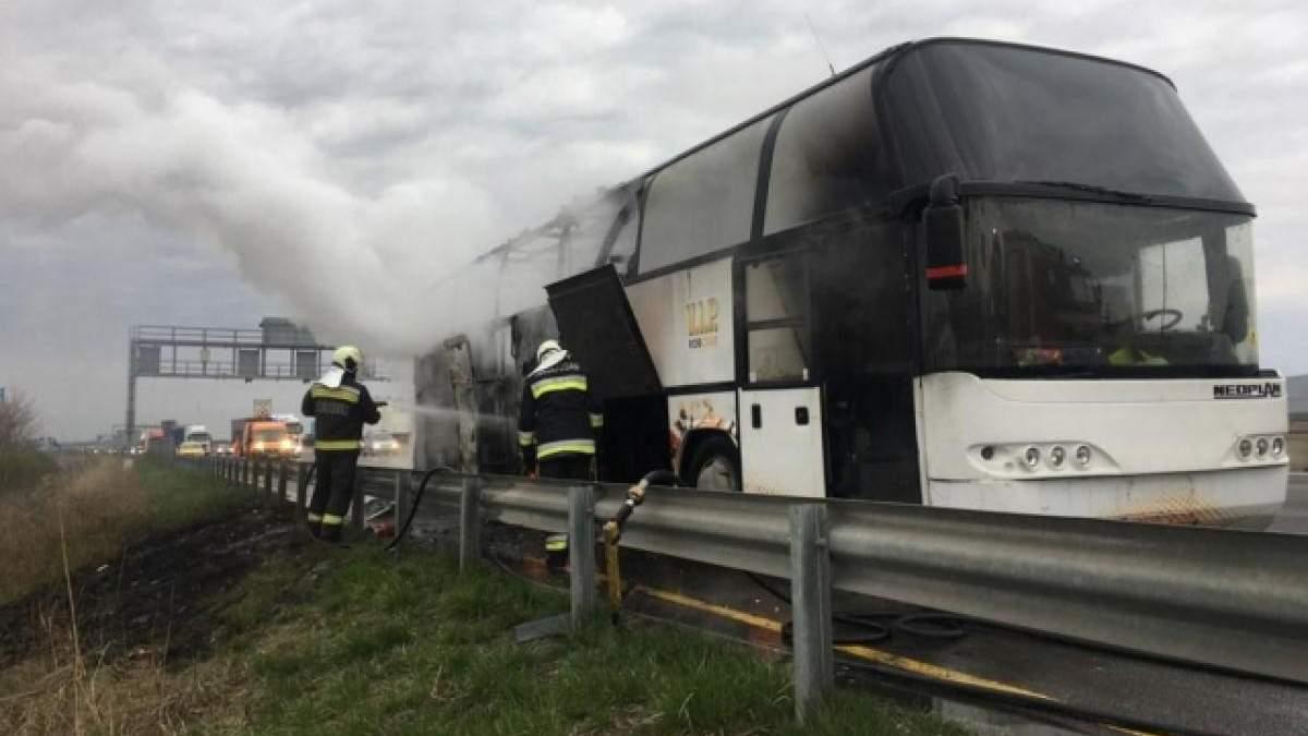 В Угорщині згорів автобус, у якому їхали українці