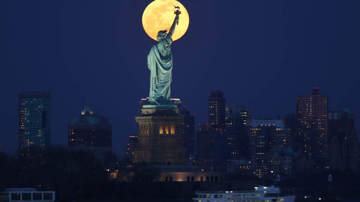 В Нью-Йорке с коронавирусом пока тяжелее всего