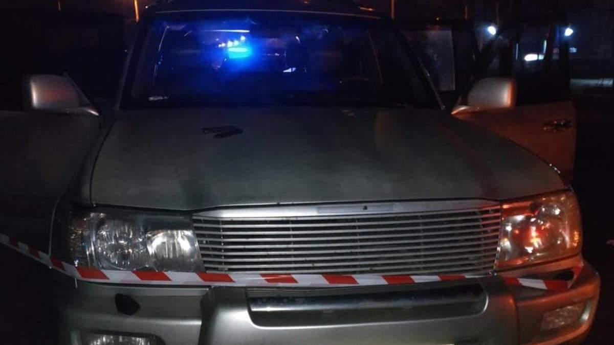 Вбитого поліцейського знайшли в багажнику авто в Нікополі