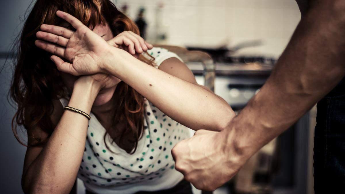 У Франції через коронавірус збільшилася кількість випадків домашнього насильства
