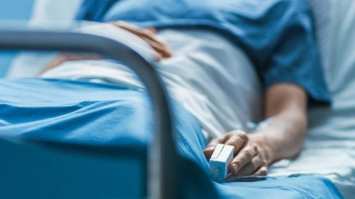 В Украине коронавирусом болеют больше женщины