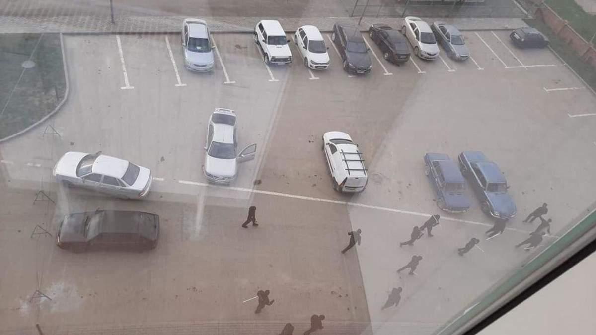 Чечня и коронавирус - полиция бьет людей без масок трубами