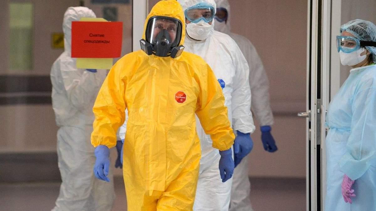 Путін радо зустрічає коронавірус
