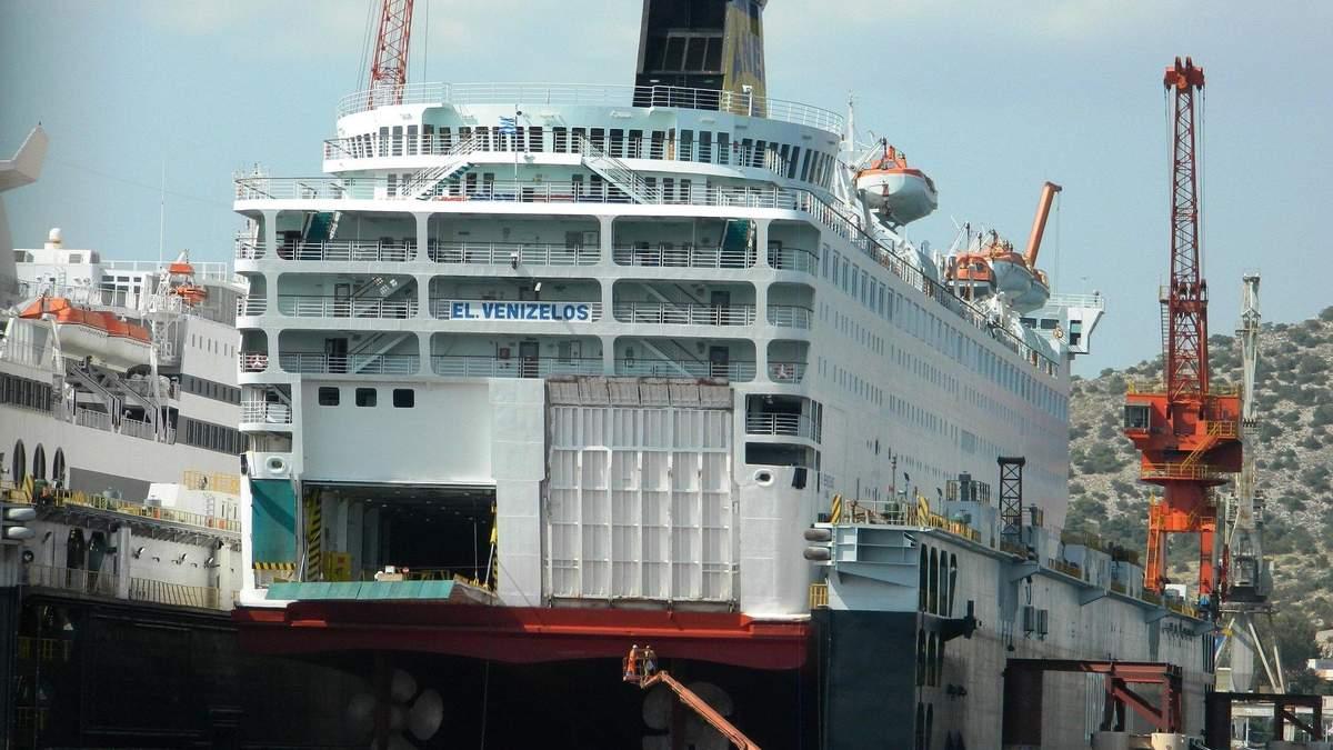 Ситуация на судне El Venizelos критическая: что происходит на лайнере – видео