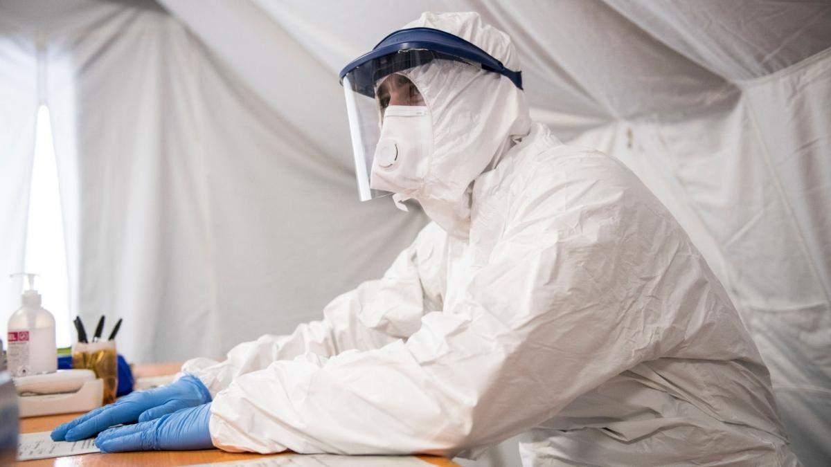Скільки в Україні хворих на коронавірус лікарів