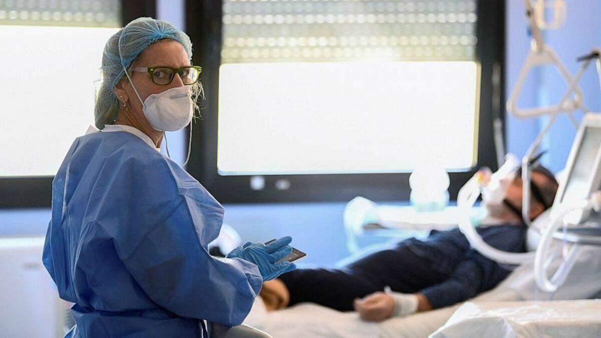 Когда человека с коронавирусом положат в больницу:объяснение ЦОЗ