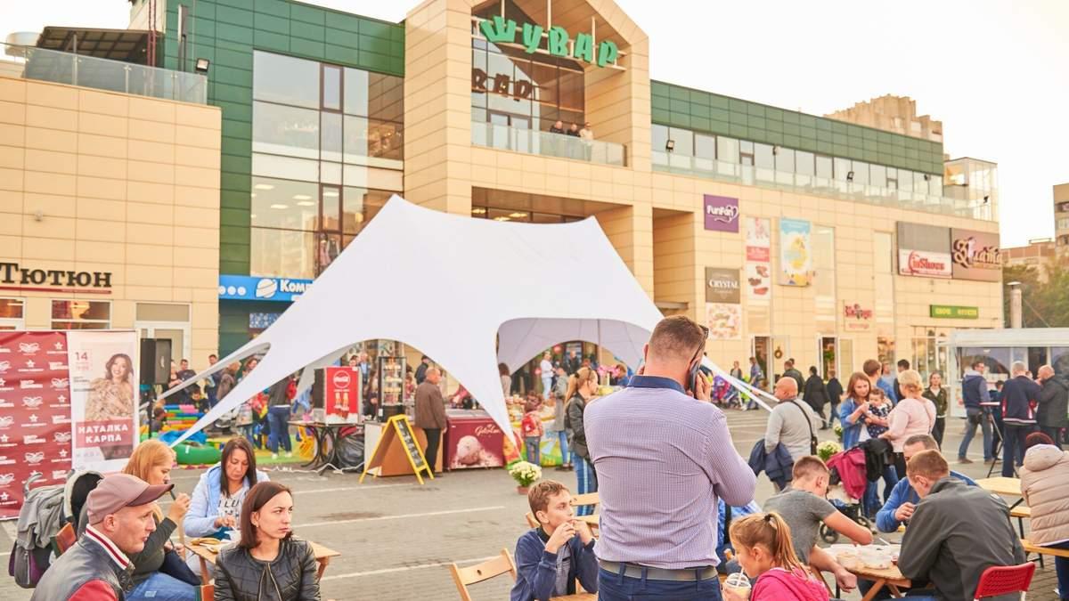 "Коронавирус во Львове: на ""Шуваре"" болезнь обнаружили у работника рынка"