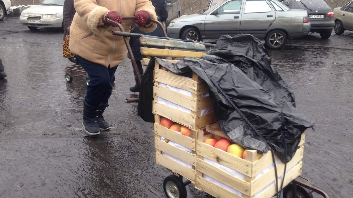 """Истории из Луганска: как пожилые люди в """"ЛНР"""" становятся лишними"""