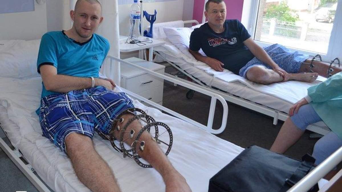 Двоє українських бійців