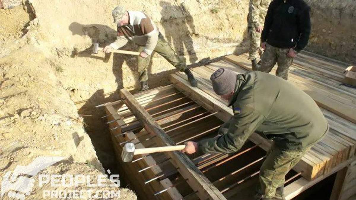 Будівництво бліндажів на передовій