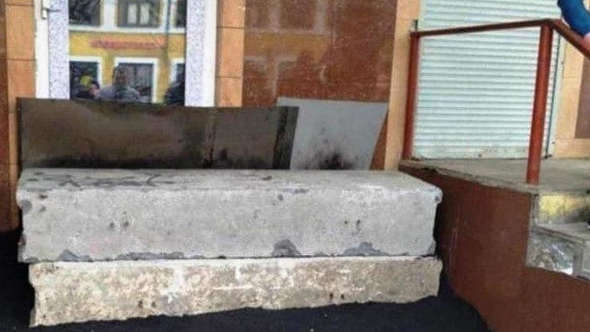 В Москві забетонували кафе через порушення карантину: фото