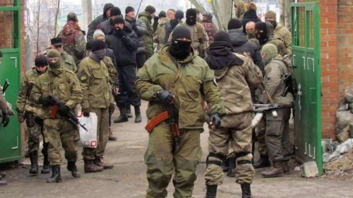 """Бойовики на Донбасі через кризу з особовим складом почали """"відлов"""" заробітчан із Росії"""