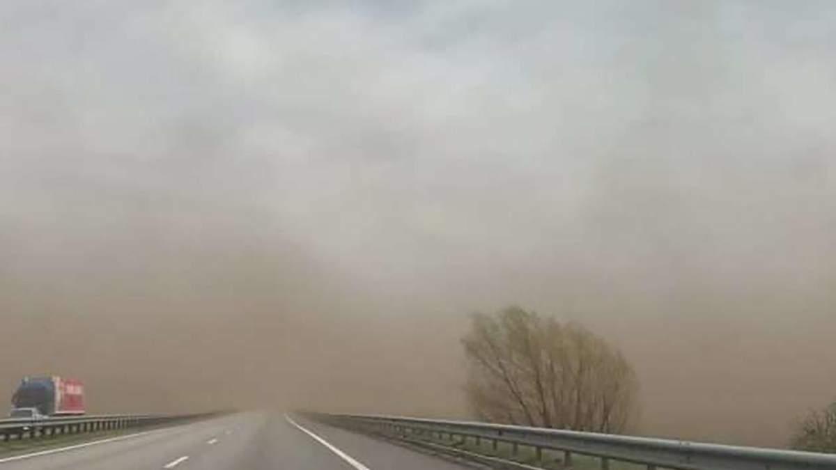 Песчаные бури в Житомирской области - трассы Киев-Чоп и Киев-Ковель