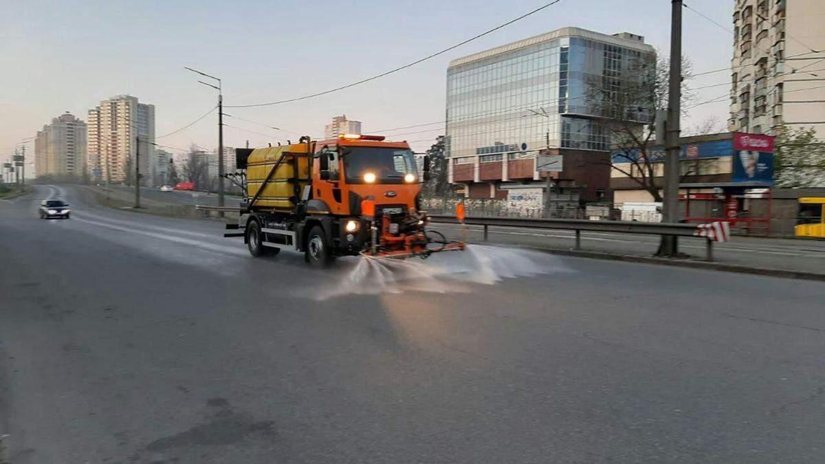 Улицы Киева будут мыть круглосуточно вплоть до улучшения состояния воздуха