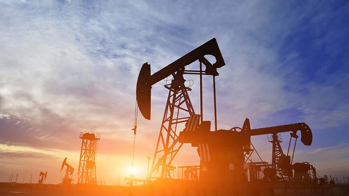 Цены на нефть 2020 упали: WTI стоит меньше доллара за баррель
