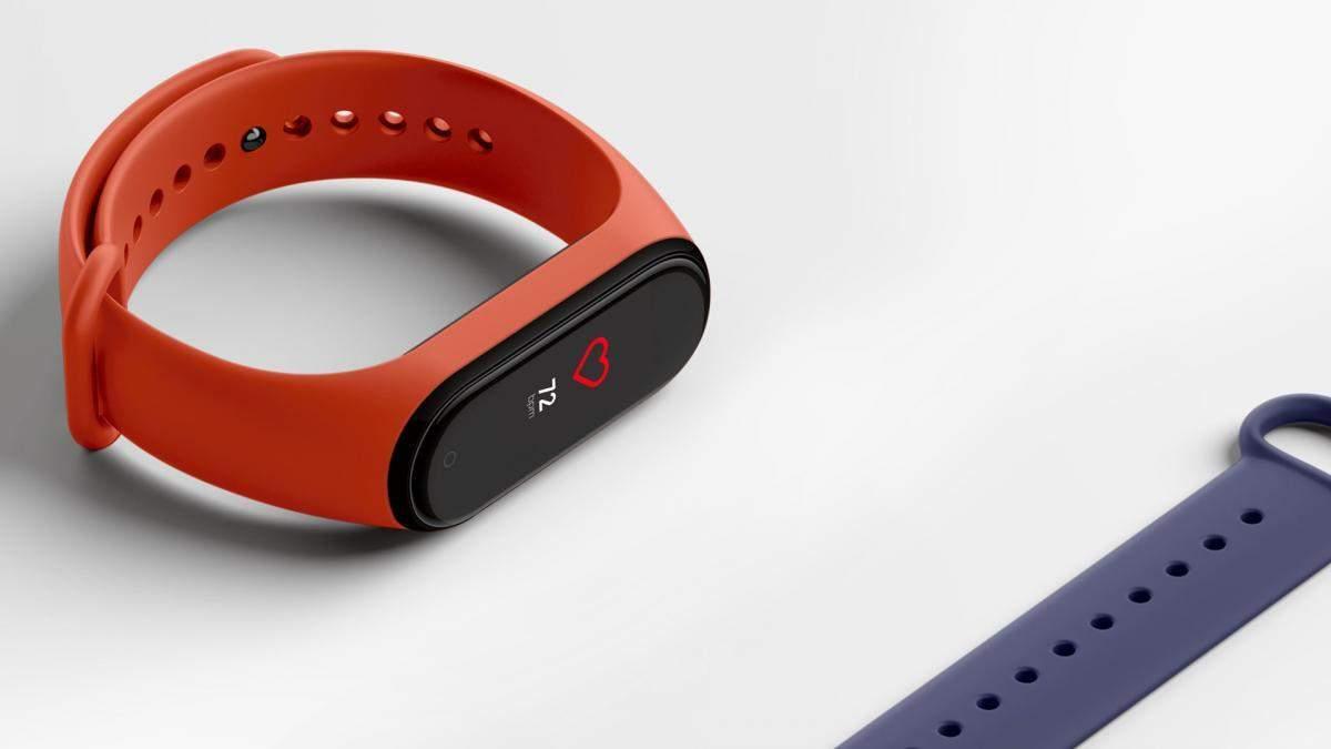 Xiaomi Mi Band 4 стоит обновить до свежей версии прошивки