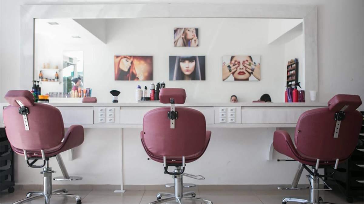 Пользуются ли депутаты услугами парикмахеров и мастеров маникюра: интересные детали