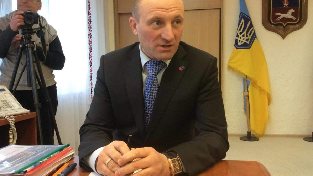 Мер Черкас Анатолій Бондаренко отримав повістку у поліцію