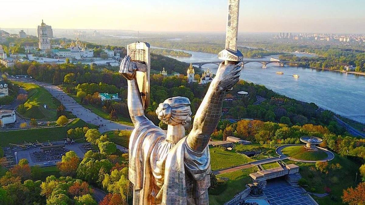 Как меняется Киев несмотря на карантинные ограничения: впечатляющие фото и видео