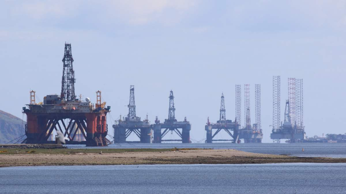 Ціни на нафту продовжують ростуть