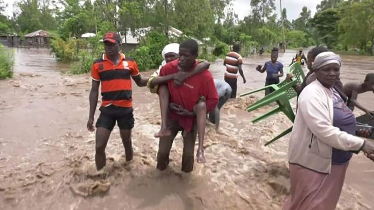 Наводнение в Кении, Уганде 2020: видео – более 260 жертв