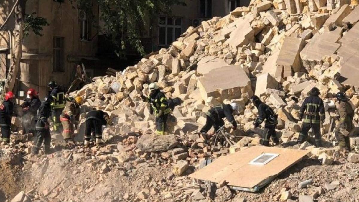 Жителей из обрушенного дома в Одессе расселили в гостиницах