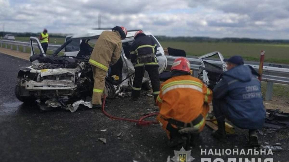 Смертельное ДТП на трассе Киев-Одесса 22 мая 2020: фото